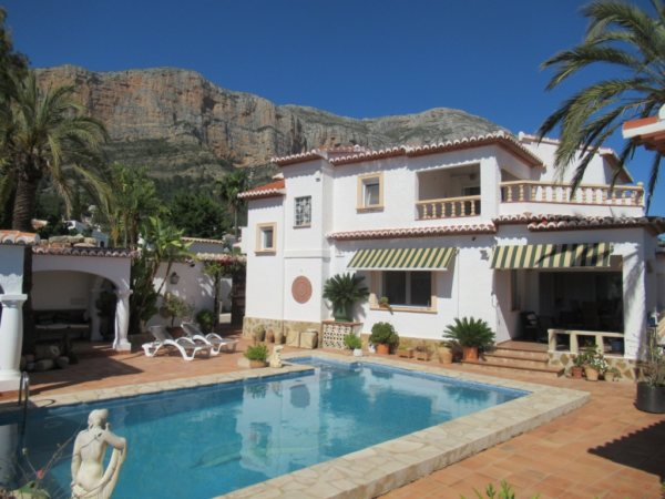 VP58 Villa for sale in Javea with mountain views in alicante, Spain - Photo