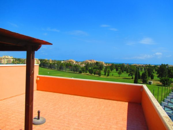 A7 Пентхаус на продажу в гольф-поле Oliva с видом на море в Валенсии, Испания. - Фото