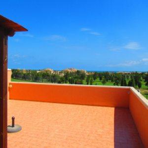 A7 Atico en venta en el campo de golf de Oliva con vistas al mar en Valencia, España.