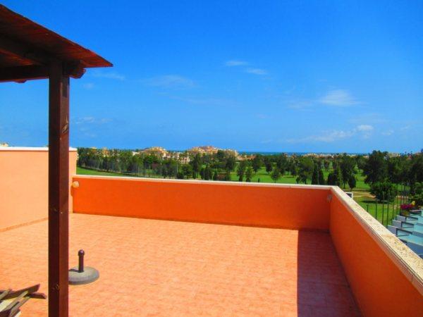 A7 Atico en venta en el campo de golf de Oliva con vistas al mar en Valencia, España. - Foto