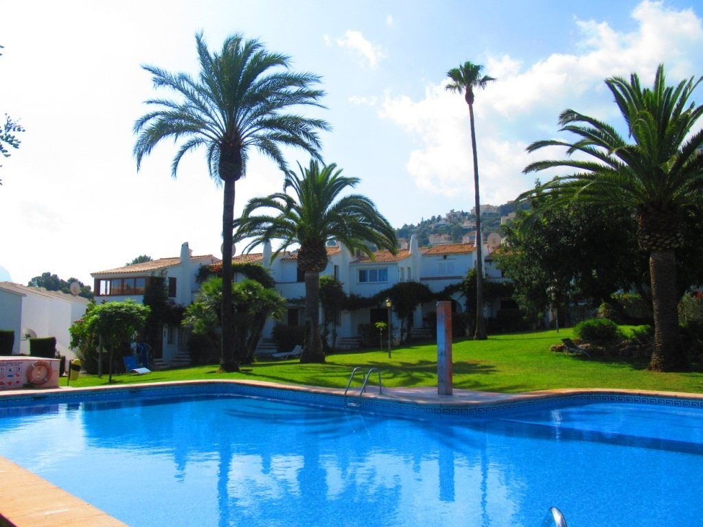 B30 Bungalow for sale in La Sella golf with communal pool and gardens, alicante, Spain - Property Photo 1