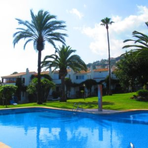 B30 Bungalow for sale in La Sella golf with communal pool and gardens, alicante, Spain