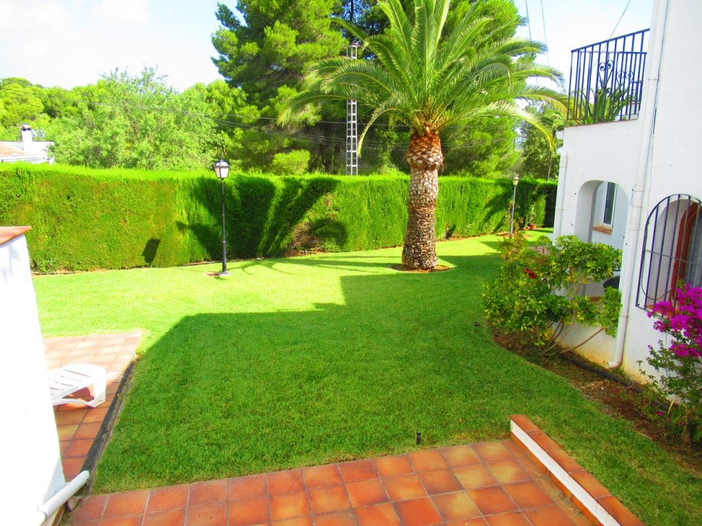 B30 Bungalow for sale in La Sella golf with communal pool and gardens, alicante, Spain - Property Photo 8