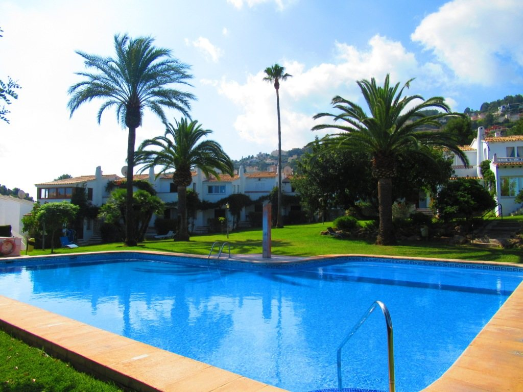 B30 Bungalow for sale in La Sella golf with communal pool and gardens, alicante, Spain - Property Photo 10