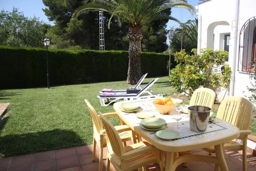 B30 Bungalow for sale in La Sella golf with communal pool and gardens, alicante, Spain - Property Photo 4