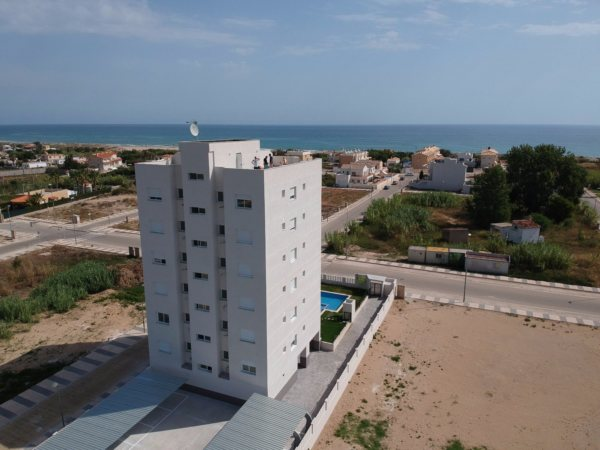 X-9939 Apartmento en Oliva con 3 Dormitorios - Foto