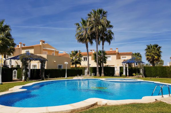 X-ON549 Townhouse in Oliva with 2 Bedrooms - Photo