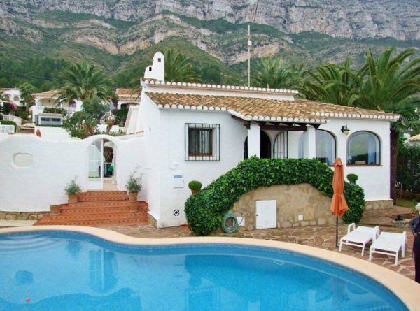 X-01286 Villa in Dénia with 2 Bedrooms - Photo