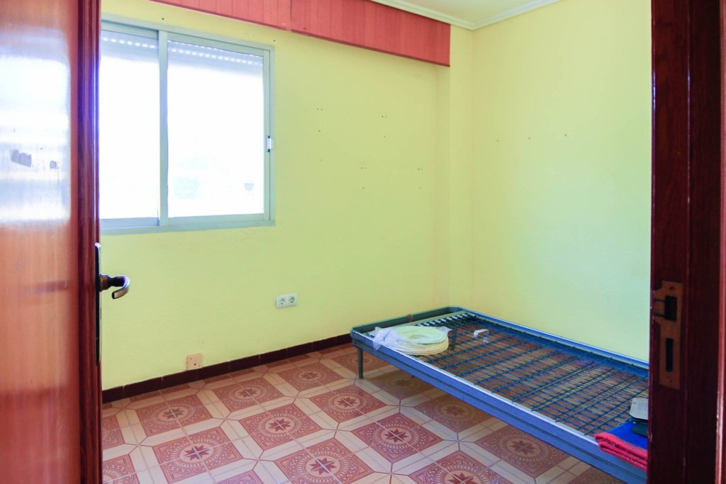 X-LL641 Flat in Orba with 3 Bedrooms - Property Photo 8
