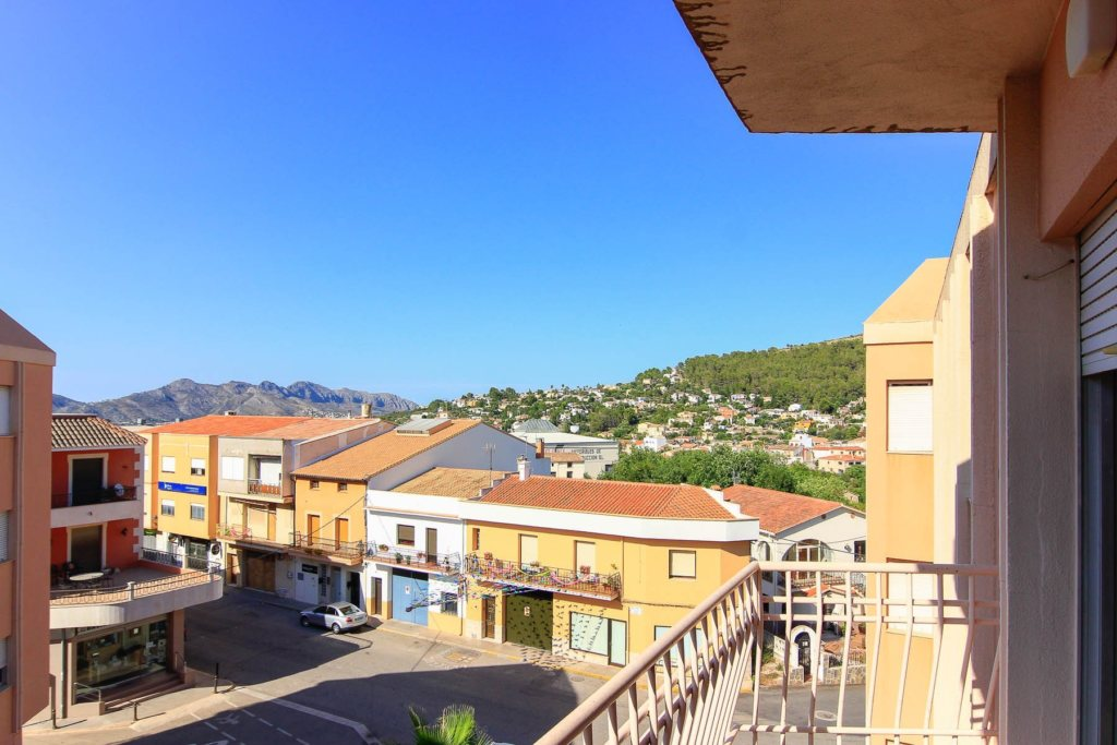 X-LL641 Flat in Orba with 3 Bedrooms - Property Photo 2
