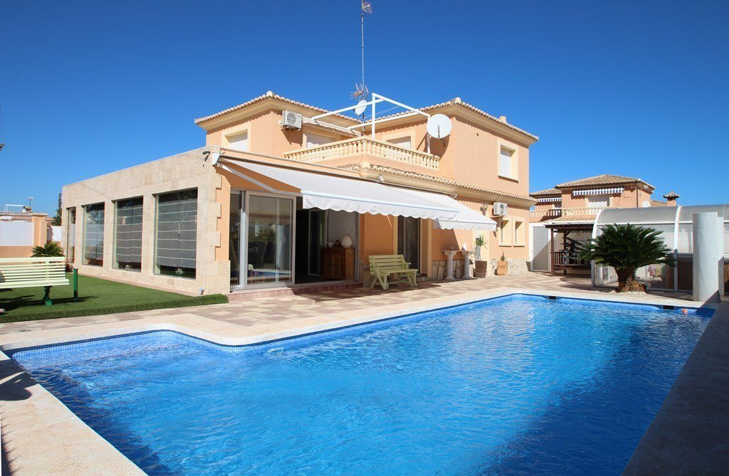 X-8851 Villa in Els Poblets with 4 Bedrooms - Property Photo 1
