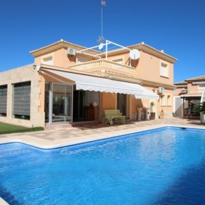 X-8851 Villa in Els Poblets with 4 Bedrooms