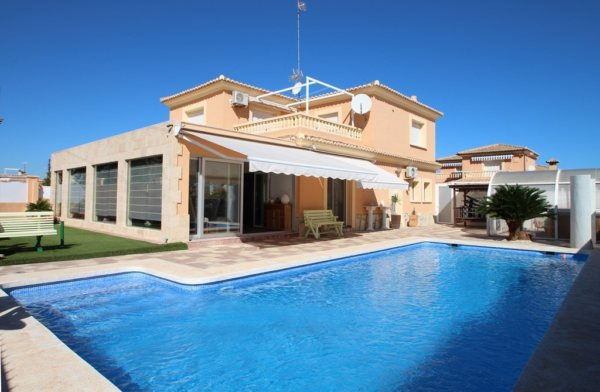 X-8851 Villa in Els Poblets with 4 Bedrooms - Photo