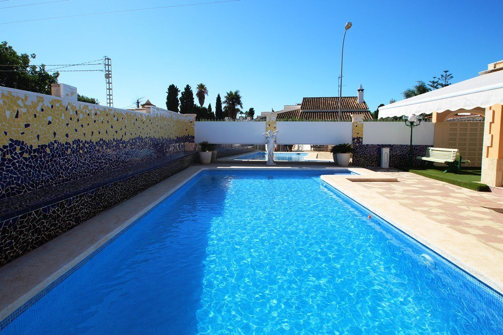 X-8851 Villa in Els Poblets with 4 Bedrooms - Property Photo 3