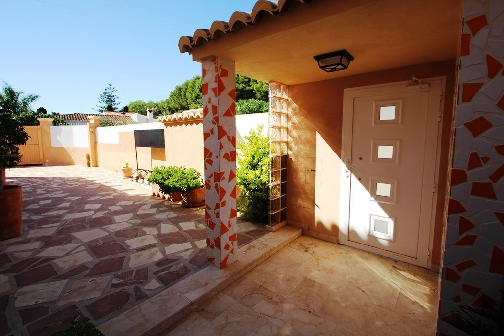 X-8851 Villa in Els Poblets with 4 Bedrooms - Property Photo 8