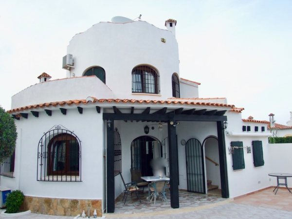 X-01292 Villa in DéNia with 3 Bedrooms - Photo