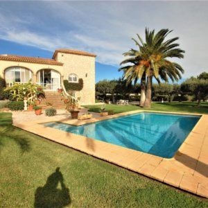 X-3094 Villa in DéNia with 6 Bedrooms