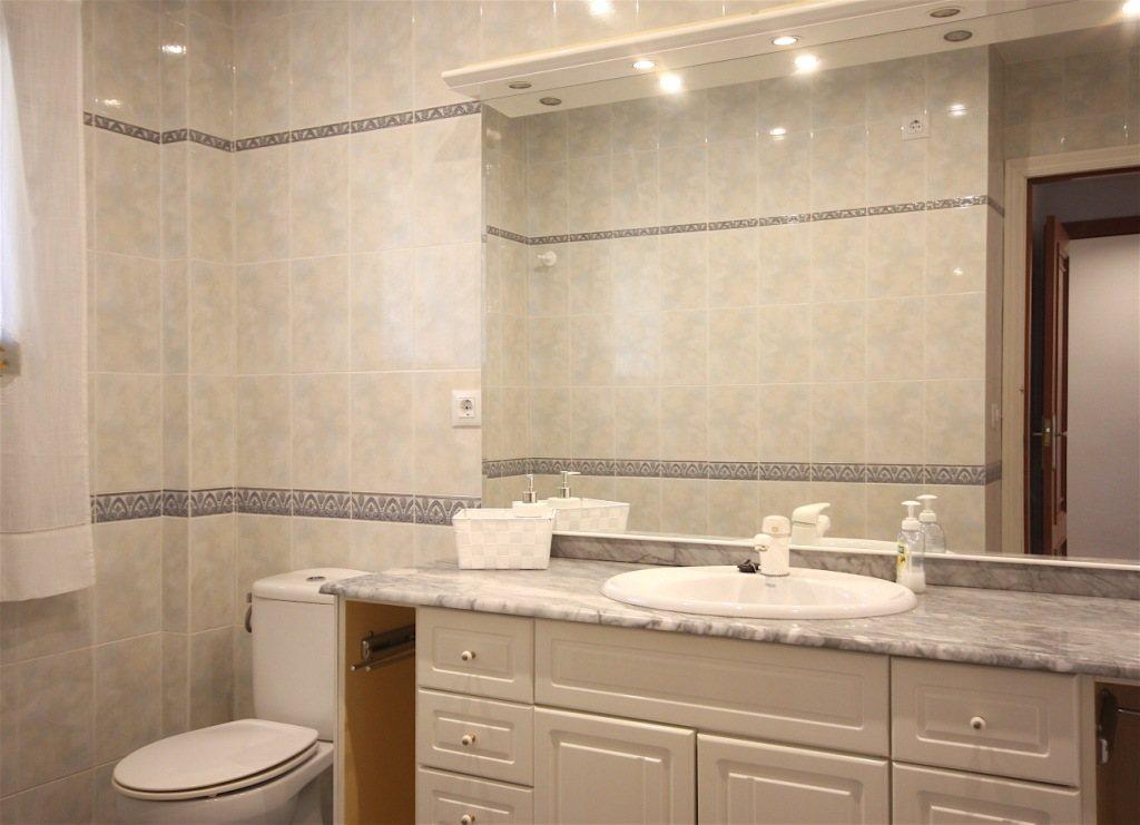 A36 Wohnung in erster Strandlinie zu verkaufen in Denia, Spanien - Objektbild 8
