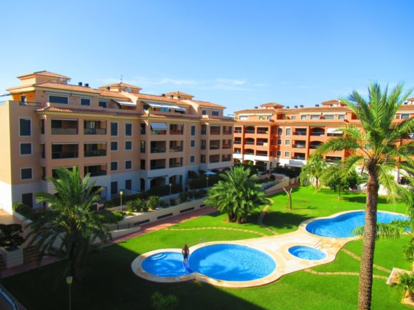A9 Apartment for sale in Denia with 2 bedrooms close to the beach and town center - Photo