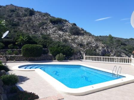 B5 Bungalow for sale in Pedreguer with sea views and communal pool - Property Photo 3
