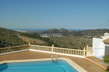 B5 Casa Adosada en venta en Pedreguer con vistas al mar y piscina comunitaria. - Foto Propiedad 16