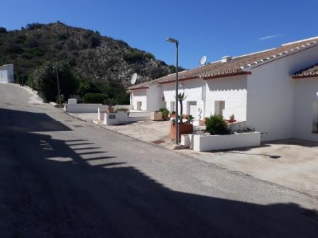 B5 Casa Adosada en venta en Pedreguer con vistas al mar y piscina comunitaria. - Foto Propiedad 2