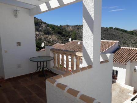 B5 Casa Adosada en venta en Pedreguer con vistas al mar y piscina comunitaria. - Foto Propiedad 3
