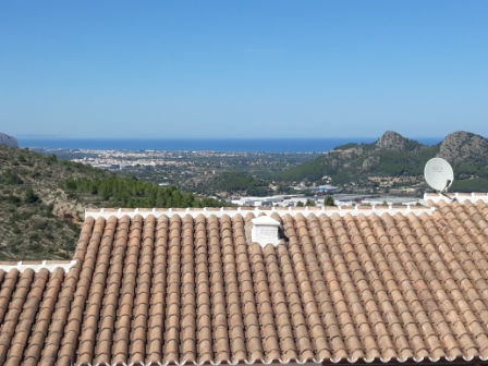 B5 Bungalow for sale in Pedreguer with sea views and communal pool - Property Photo 2