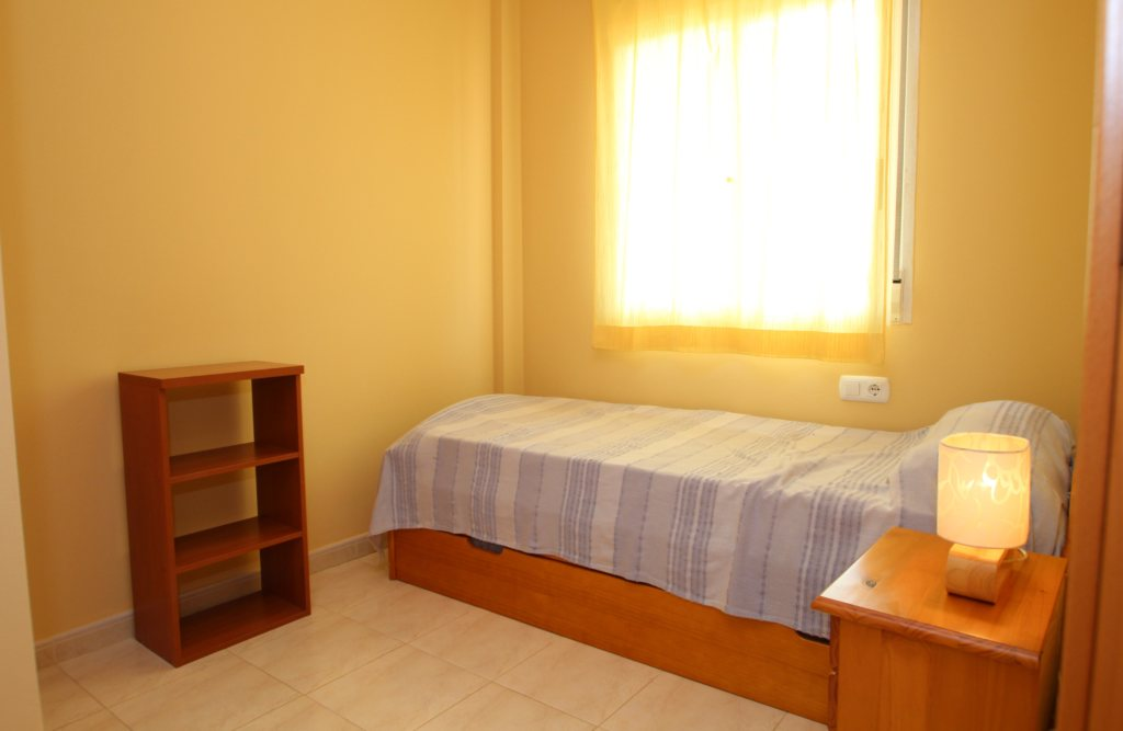 X-8895 Apartment in DéNia with 2 Bedrooms - Property Photo 12