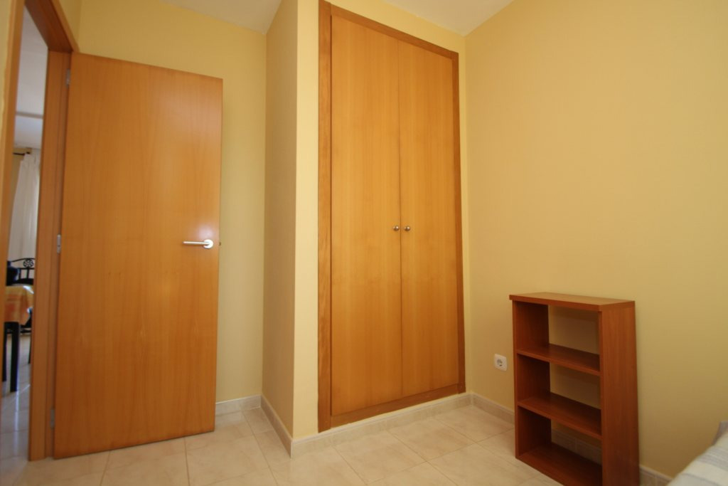 X-8895 Apartment in DéNia with 2 Bedrooms - Property Photo 13