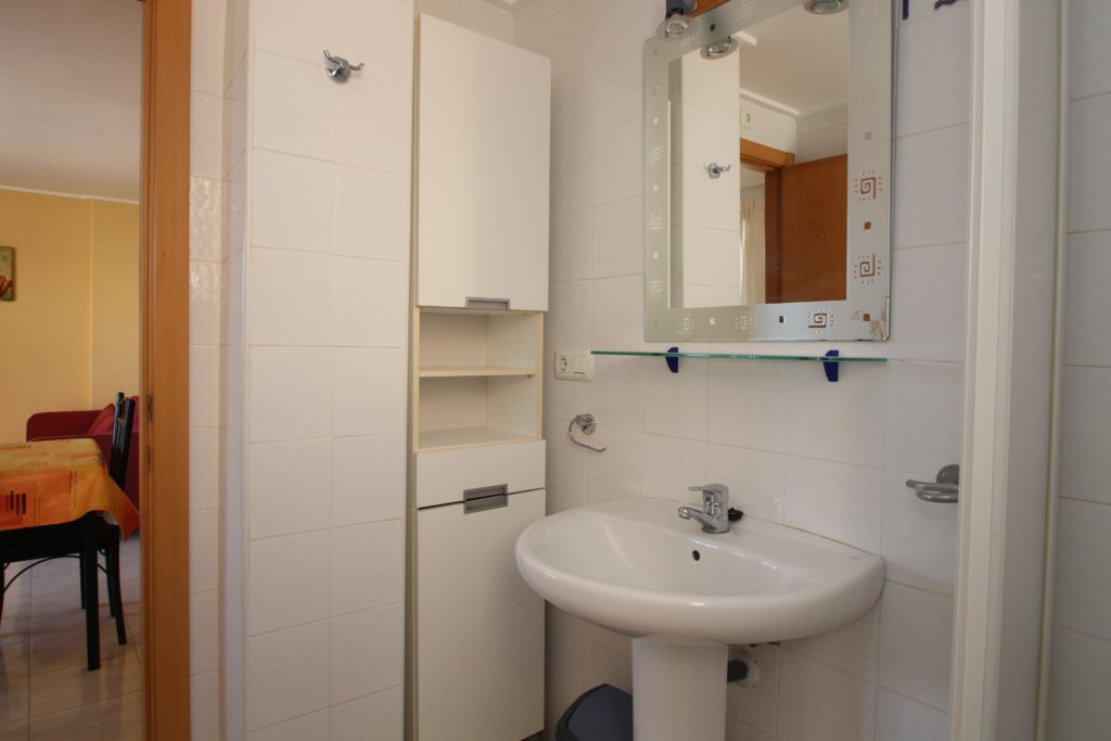 X-8895 Apartment in DéNia with 2 Bedrooms - Property Photo 15