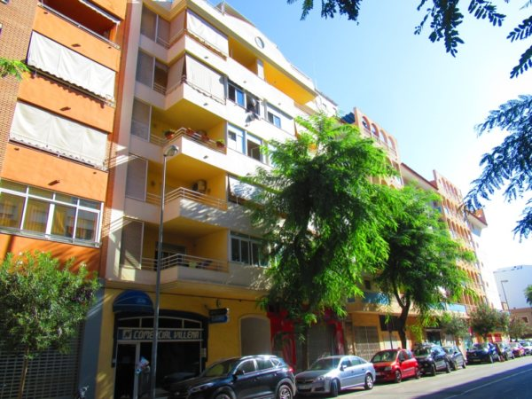 P14 Flat for sale in Denia town center with 3 bedrooms and parking - Photo