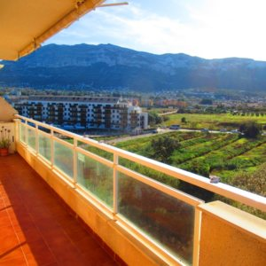 P16 Town flat for sale in Denia Port area with 3 bedrooms and mountain views