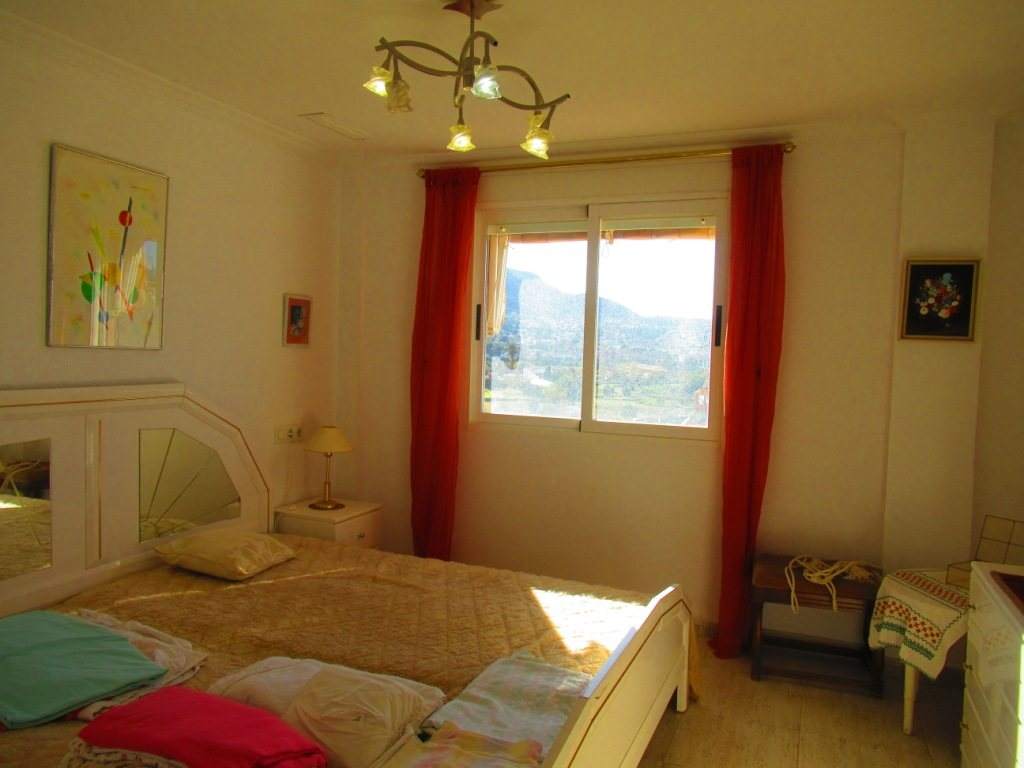 P16 Town flat for sale in Denia Port area with 3 bedrooms and mountain views - Property Photo 9