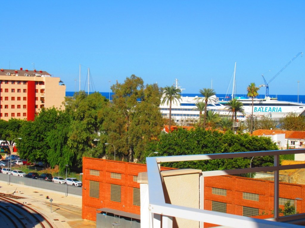 P16 Town flat for sale in Denia Port area with 3 bedrooms and mountain views - Property Photo 3