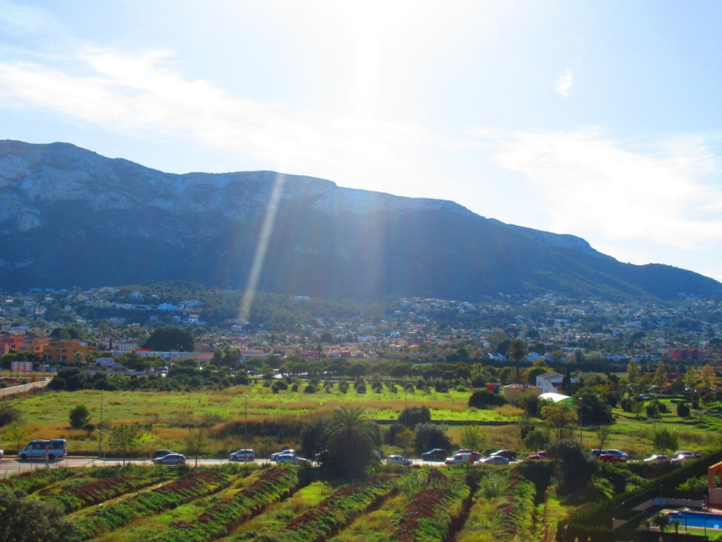 P16 Town flat for sale in Denia Port area with 3 bedrooms and mountain views - Property Photo 4
