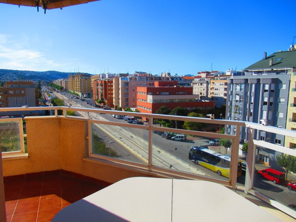P16 Town flat for sale in Denia Port area with 3 bedrooms and mountain views - Property Photo 2