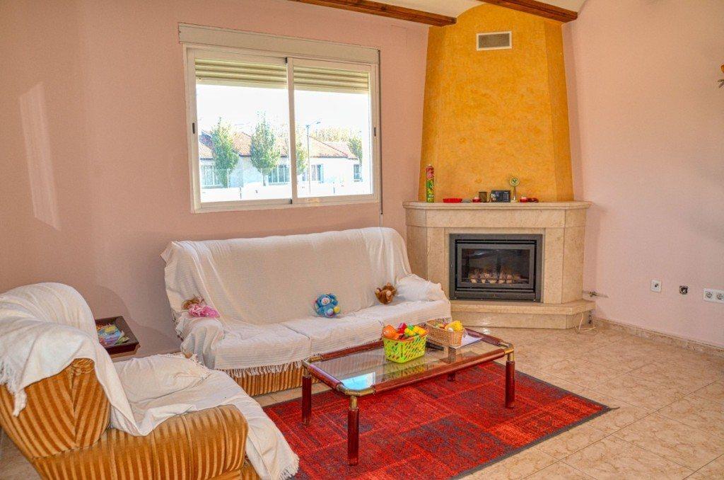 V16 Villa zum Verkauf mit Gästezimmern in Denia, Ondara, Alicante, Spanien. - Objektbild 4