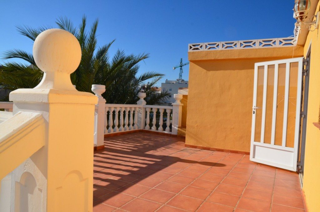 V16 Villa for sale with guest accomodation in Ondara, Alicante Spain. - Property Photo 10