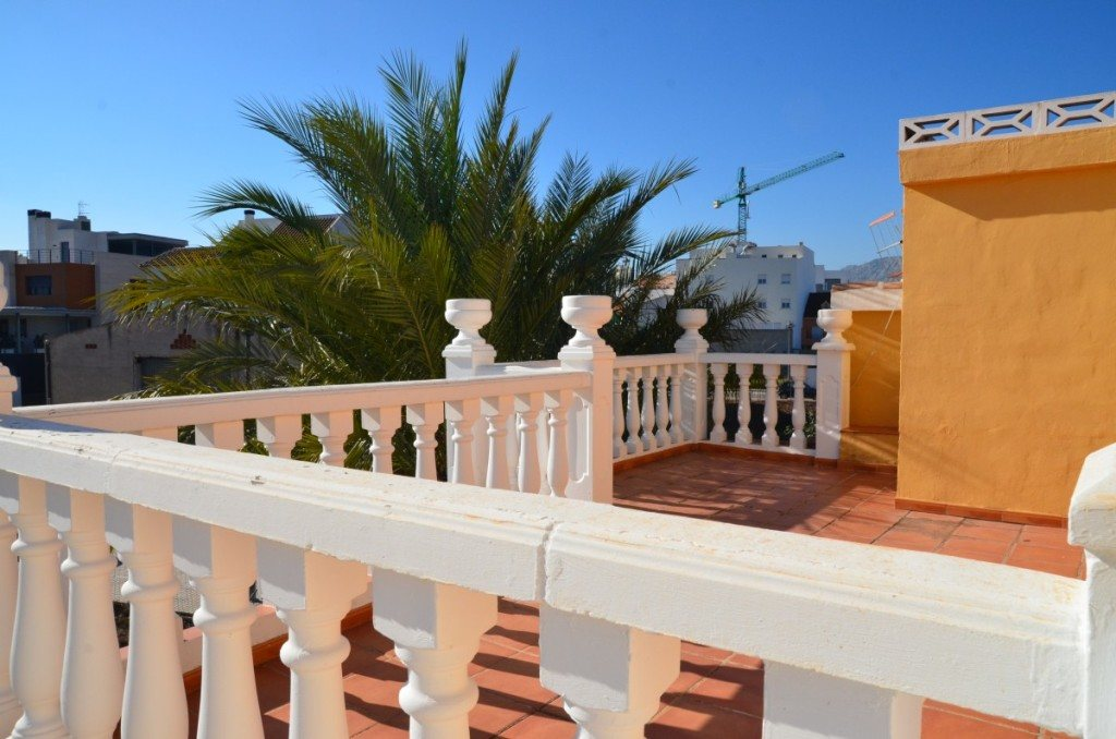 V16 Villa for sale with guest accomodation in Ondara, Alicante Spain. - Property Photo 11