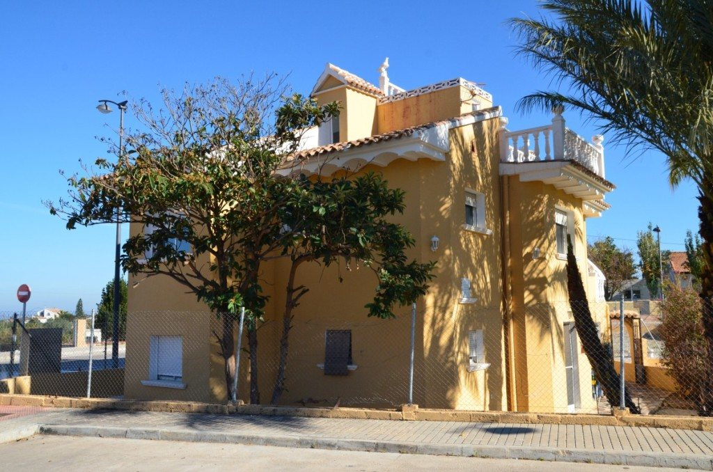 V16 Villa for sale with guest accomodation in Ondara, Alicante Spain. - Property Photo 15