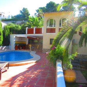 VP75 Villa zum Verkauf in Denia mit Pool und Gästezimmer