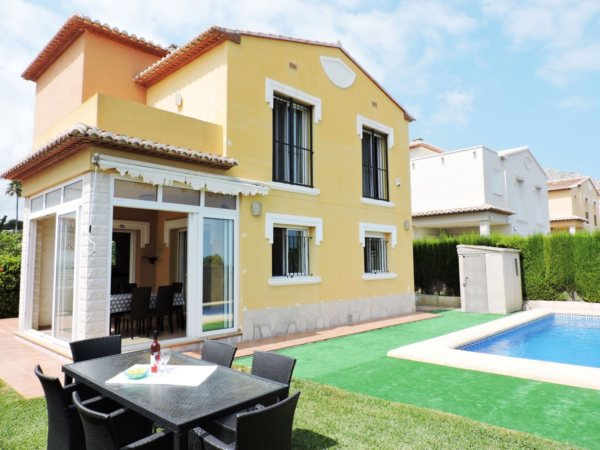 X-CH2020 Villa in Beniarbeig with 3 Bedrooms - Photo