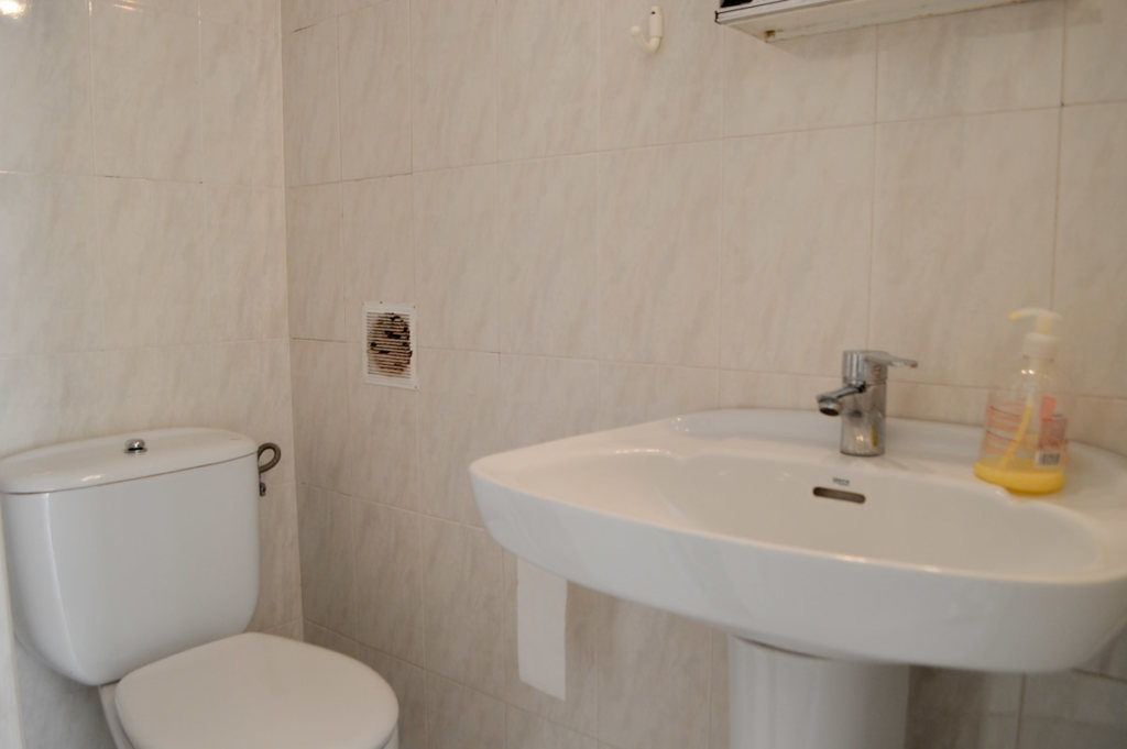 X-AP-D-0021 Apartment in DéNia with 2 Bedrooms - Property Photo 12