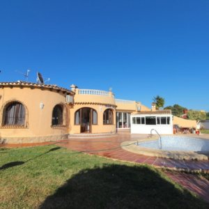 VP95 Villa for sale in La Xara (Denia area) with large plot and pool