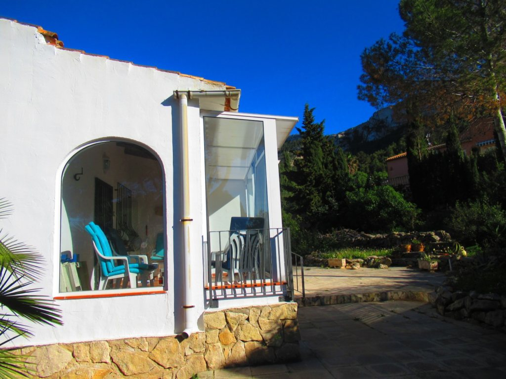 V24 Villa for sale in Denia with 3 bedrooms sea and mountain views - Property Photo 6