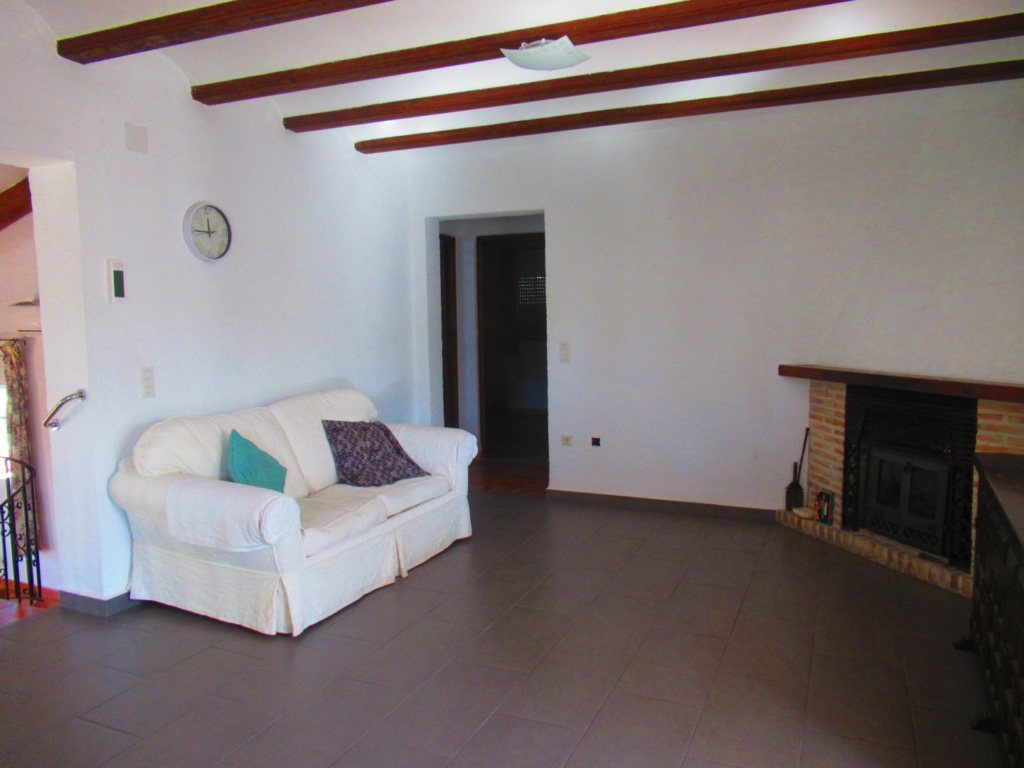 V24 Villa for sale in Denia with 3 bedrooms sea and mountain views - Property Photo 9