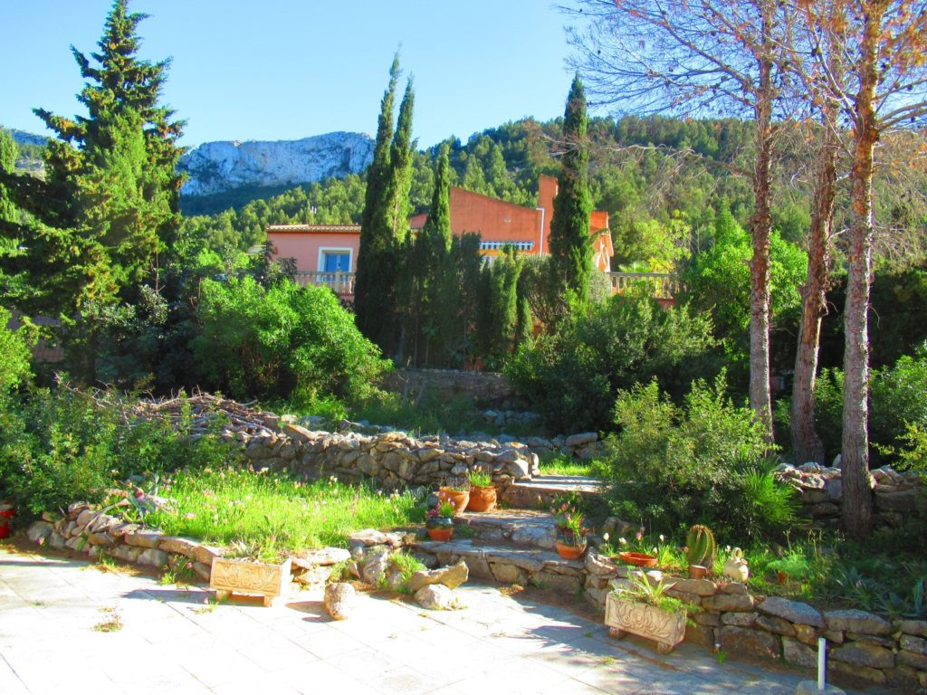 V24 Villa for sale in Denia with 3 bedrooms sea and mountain views - Property Photo 12