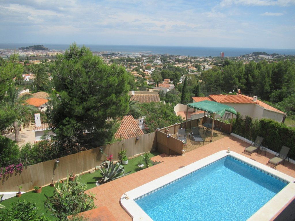 VP42 Villa for sale in Denia with pool and sea views in Spain - Property Photo 14