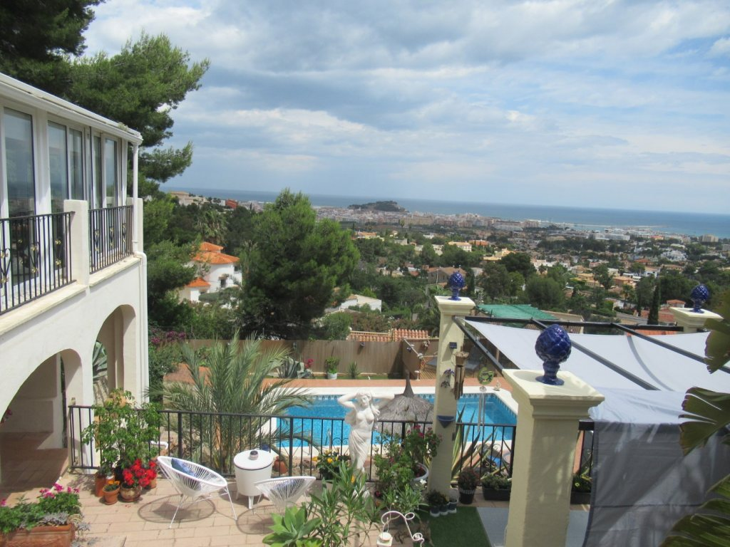 Villa for sale in Denia with sea views